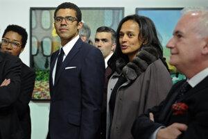 Isabel dos Santosová s manželom Sindikom Dokolom obchodujú s ropou aj diamantmi, milióny však získavali priamo od štátu.