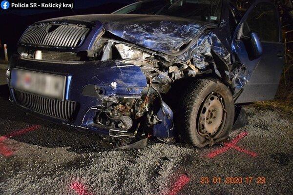 Štyria zranení a pokrčené plechy, štvrtková nehoda sa zaradila medzi vážne.