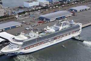 Loď Diamond Princess v japonskom prístave Jokohama 6.2.2020.