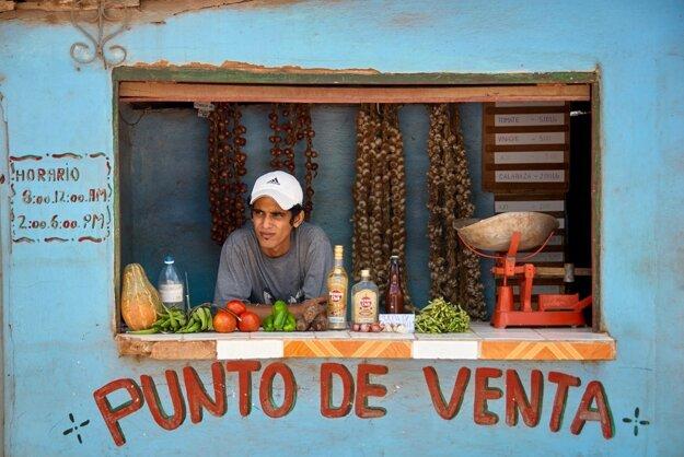 Rum sa predáva všade - dokonca aj v malých obchodíkoch so základnými potravinami