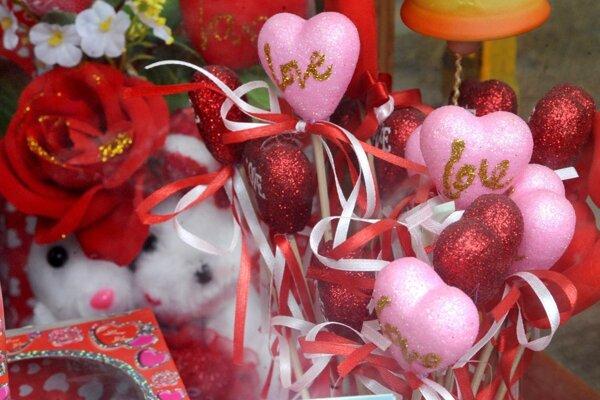 Sviatok Valentína sa spája aj s darčekmi, ktoré majú rôznu podobu.