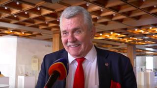 Poslanec Marček o tom, ako prepustil pultík Pellegrinimu (video)