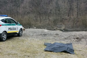 Prípad utopeného muža vyšetruje polícia.