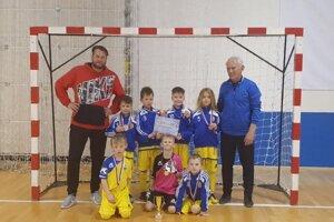 Víťazi turnaja v Lučenci, mladíci z Kováčovej.