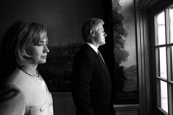 Štvordielny televízny seriál Hillary nakrútila americká dokumentaristka Nanette Bursteinová.