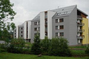 Bytové domy Osika a Jelšava pozostávajú zo 40 dvojizbových bytov a 8 jednoizbových bytov.