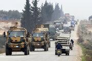 Turecký vojenský konvoj v Sýrii 28. februára 2020.