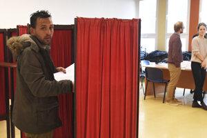Volebná účasť na Luniku IX je zatiaľ nízka.
