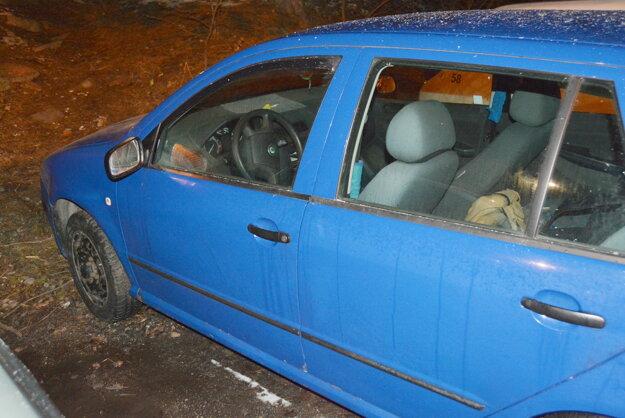 Polícia zastavila auto v Poprade.