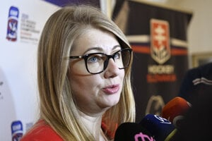 Riaditeľka Organizačného výboru MS18 A. Büdi uviedla, že o konaní šampionátu sa má rozhodnúť do 15. marca.
