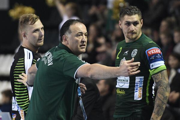 Prešovského trénera Slavka Golužu čakajú duely s veľkým rivalom Veselinom Vujovičovom.