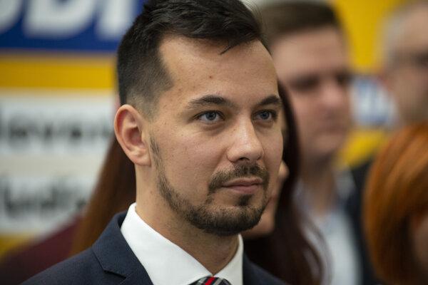 Stanovisko k Borisovi Kollárovi predniesol podpredseda za Ľudí Juraj Šeliga.