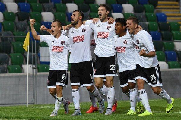 Trnavská radosť po treťom góle.
