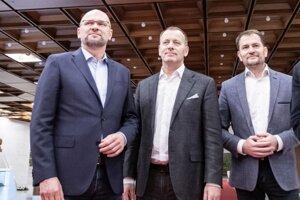 Zľava: Predseda strany Sloboda a Solidarita (SaS) Richard Sulík, predseda hnutia Sme rodina Boris Kollár, predseda hnutia OBYČAJNÍ ĽUDIA a nezávislé osobnosti (OĽaNO) Igor Matovič.