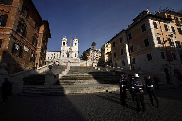 Prázdne Španielske schody v Ríme.