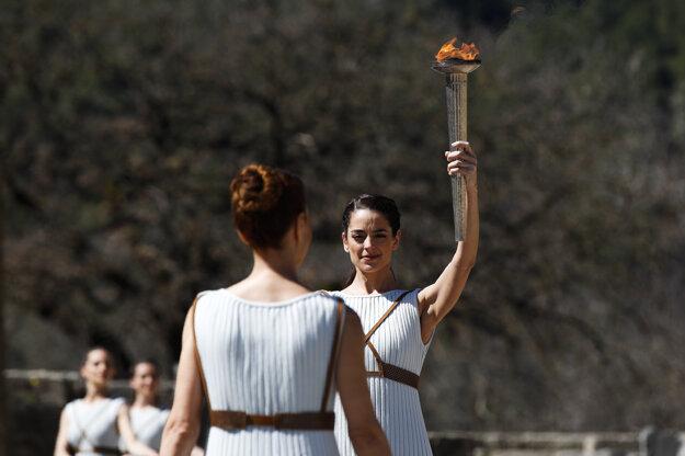 Grécka herečka Xanthi Georgiou počas ceremoniálu.
