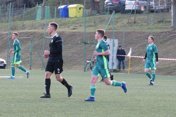 Zo zápasu 16. kola III. ligy – západ N. Mesto – Marcelová 0:2.
