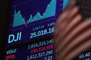Kľúčový americký index Dow Jones Industrial Average stratil takmer 3000 bodov alebo 13 percent.