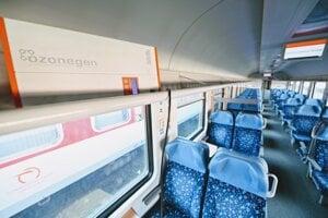 Dezinfekcia priestorov vlaku ozónom v rámci opatrení, ktoré Železničná spoločnosť Slovensko zaviedla v súvislosti s výskytom nového koronavírusu.