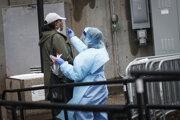 Optarenia pred nemocnicou v Brookylne.
