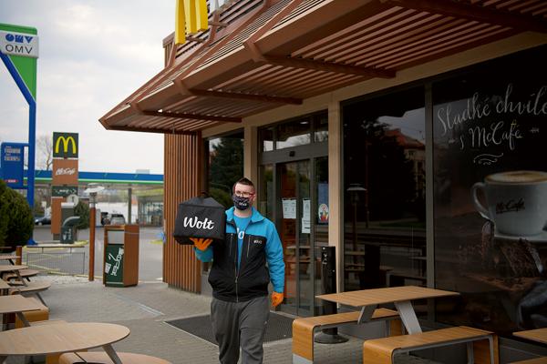 McDonald's rozširuje zoznam reštaurácii, z ktorých doručuje jedlo.