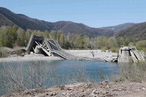 Zrútený most v Toskánsku.