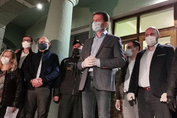 Igor Matovič oznamuje v Krompachoch karanténne opatrenia v osadách na Spiši.
