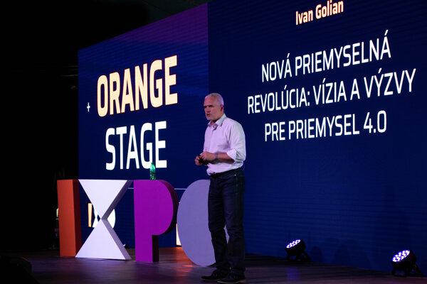 Ivan Golian, Orange