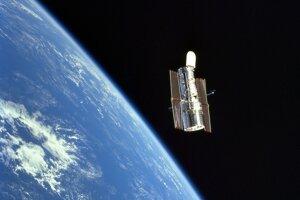 Hubblov ďalekohľad už tridsať rokov približuje ľudstvu vzdialený vesmír.
