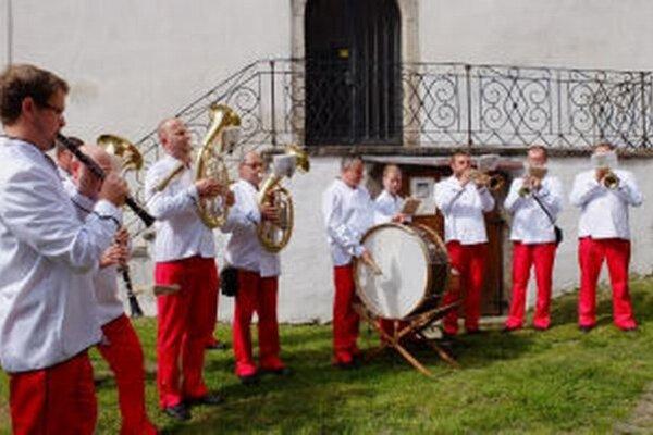 Tradičný festival dychoviek 9.a 10. mája v Kremnici. Na fotke dychová hudba Minciar z Kremnice.