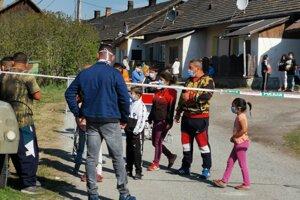 Anna a jej deti, ktoré mal zbiť policajt.