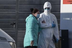 V Rusku je nakazených koronavírusom už viac ako 90-tisíc ľudí.