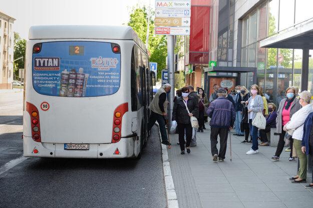 Linky MHD v Nitre začnú premávať ako v pracovný deň počas školských prázdnin.