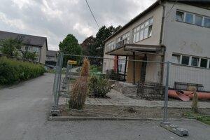 Obnova zdravotného strediska v Slanci by mala trvať 12 mesiacov.