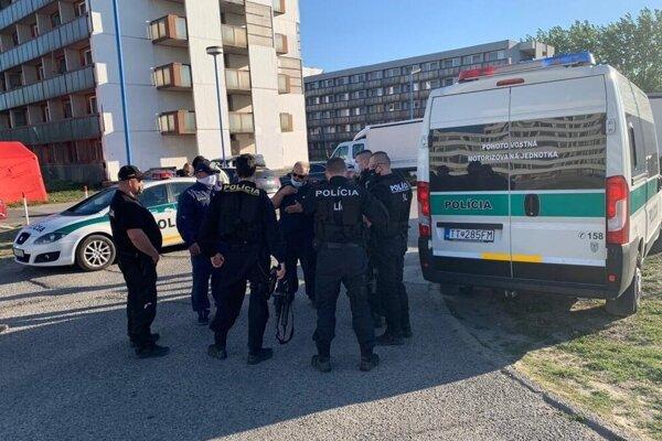 Policajný zásah v Gabčíkove.