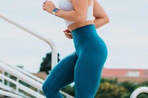 Obliekate si nesprávne oblečenie. Na prvý pohľad to môže pôsobiť ako malichernosť, no správny odev môže mať významný vplyv na váš výkon. Nepohodlné, príliš voľné oblečenie, ale aj nevhodná obuv môžu vaše cvičenie výrazne limitovať.