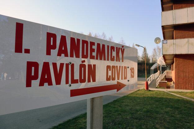 Po mesiaci fungovania červenej zóny sa do dôkladne vydenzifikovaného pavilónu opätovne vrátila lôžková i ambulantná časť oddelenia urológie.