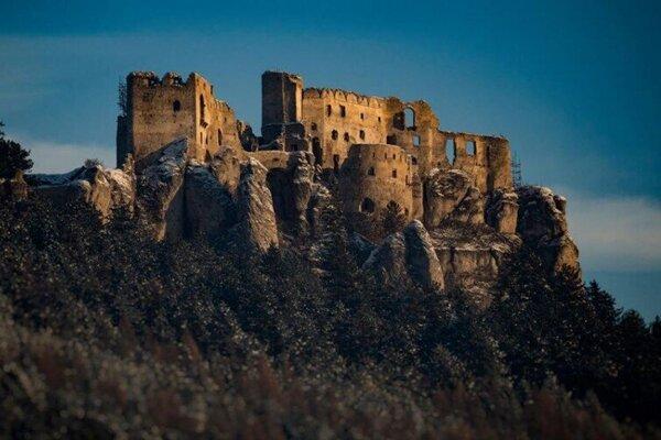 Lietavský hrad nechýba medzi vrcholmi ani tento rok.