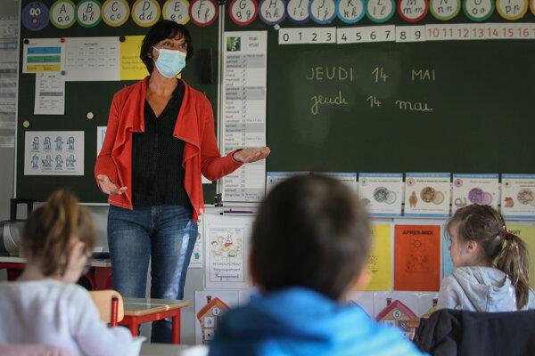 Vyučovanie v západofrancúzskom meste Chasne sur Illet.