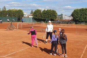 Topoľčianski tenisti sa vracajú do tréningového procesu.
