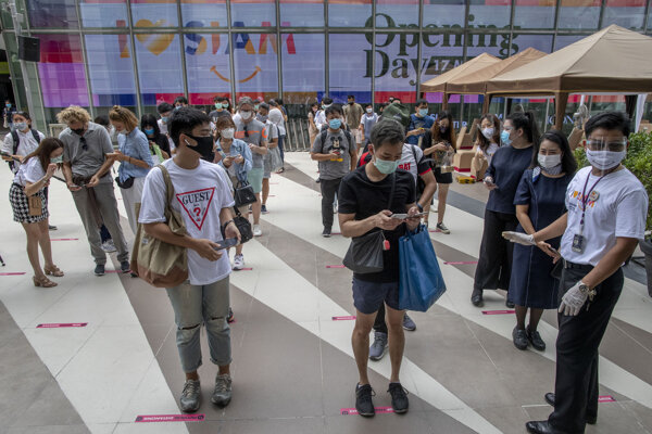 Obyvatelia Bangkoku.