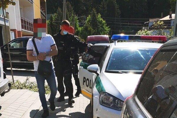 Podnikateľa zadržala polícia vo štvrtok dopoludnia.