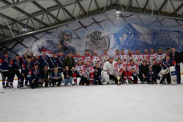 Minuloročný víťazi divízie A hokejové Béčko.