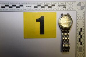 Aj tieto hodinky sa stali korisťou zlodejov.