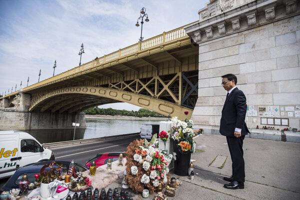 Juhokórejský veľvyslanec v Maďarsku Choe Kyoo-Sik pri spomienke na obete havárie lode Hableány.