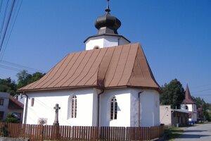 Kostolík v Dúbravici ukrýva veľké tajomstvá.