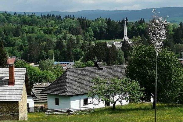 Výhľad zo skanzenu vo Svidníku.