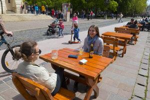 Po novom sa povolí aj viac ľudí za stolom.