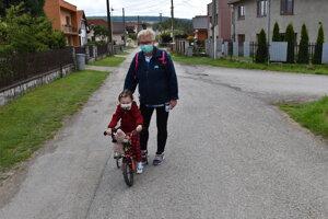 Kendice 2020: Marta Krížová s vnučkou Zojkou.
