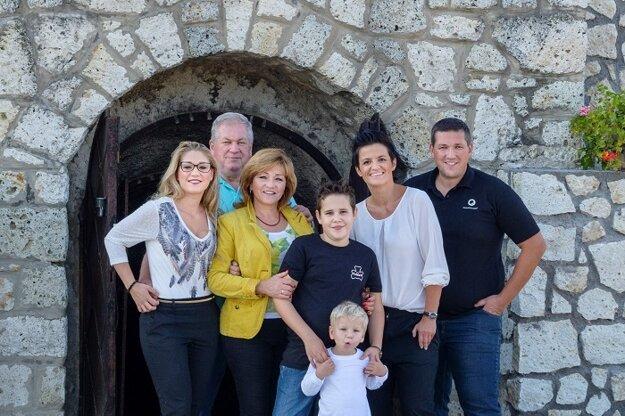S rodinou sa na tvorbe vinárskej značky podieľajú všetci spoločne.